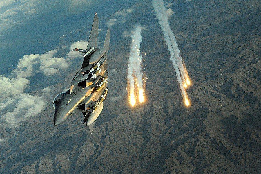 敘利亞批評以色列仗著有美國罩,頻以國安理由狂轟濫炸敘利亞。(Photo by 美...