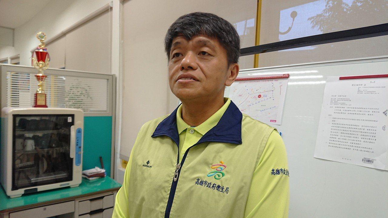 高雄市衛生局副局長林盟喬表示,路竹區確診一名第二型本土登革熱個案,是否與台南群聚...