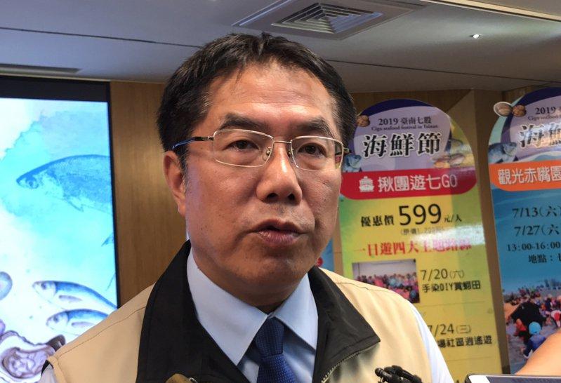 台南市長黃偉哲認為,台南和高雄就如隔壁鄰居,唇亡齒寒,所以一定要攜手合作防疫登革熱。記者鄭維真/攝影
