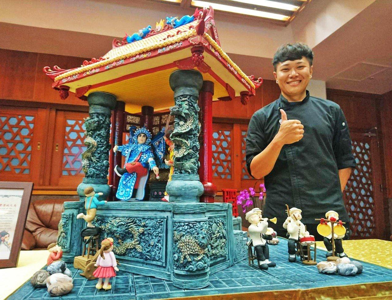 泰國極限廚師挑戰賽(TUCC)是亞洲重要的廚藝競賽,台灣的城市科大餐飲系學生蕭仁...
