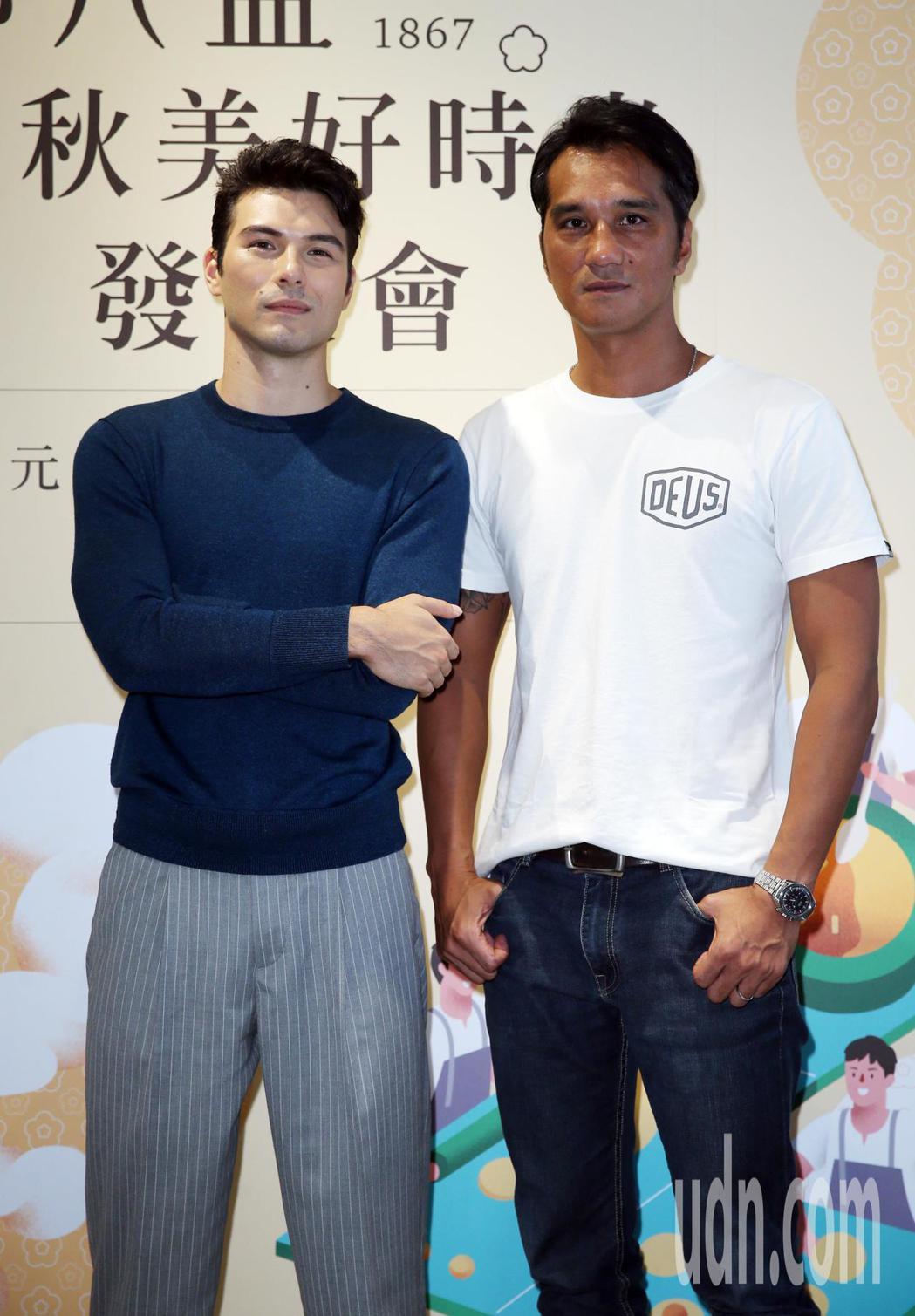 鳳小岳(左)和馬志翔下午出席郭元益「心的溫度」首映暨秋節客製化品評會。記者曾吉松...
