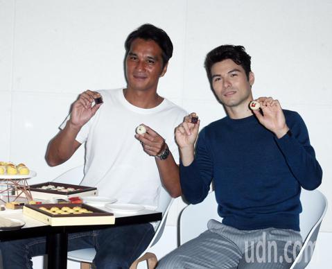 藝人鳳小岳和馬志翔下午出席郭元益「心的溫度」首映暨秋節客製化品評會 。