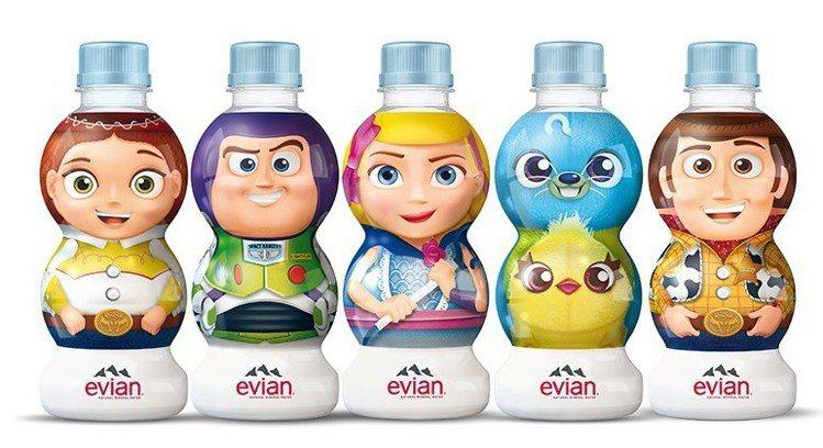 玩具總動員系列evian礦泉水每瓶售價59元,即日起至8月13日可參加7-ELE...