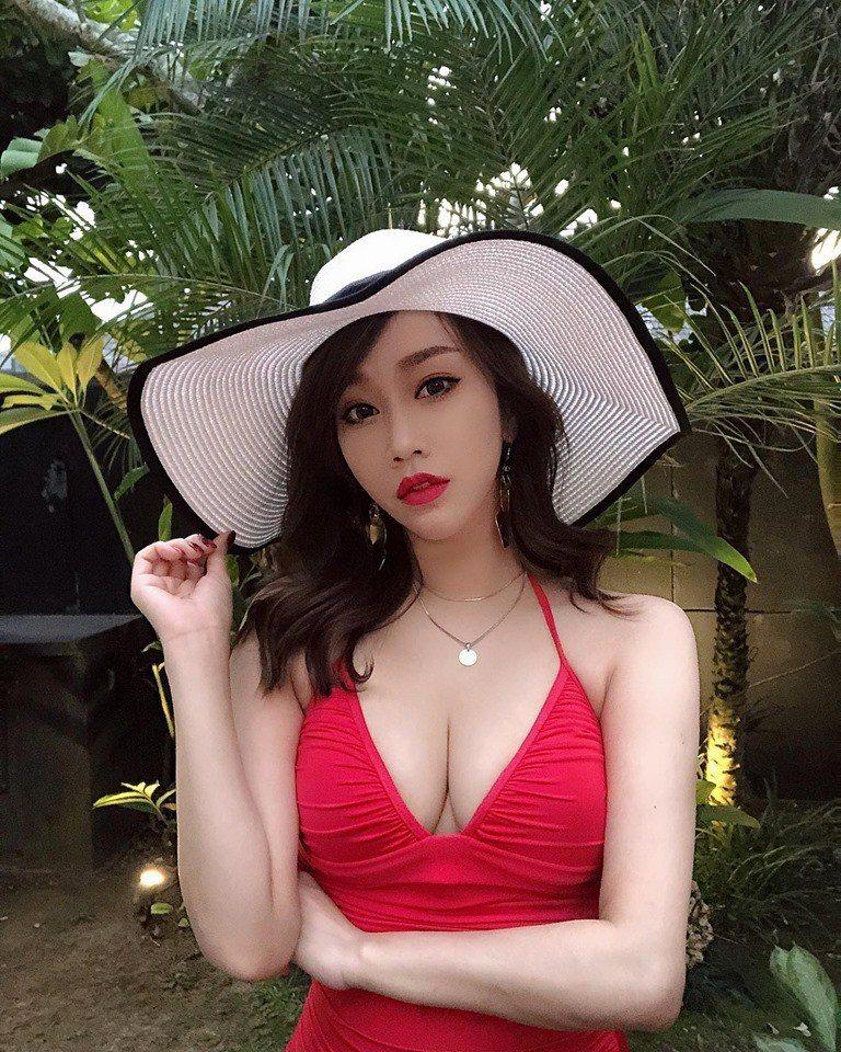 林佩瑤不吝展現好身材。圖/摘自臉書