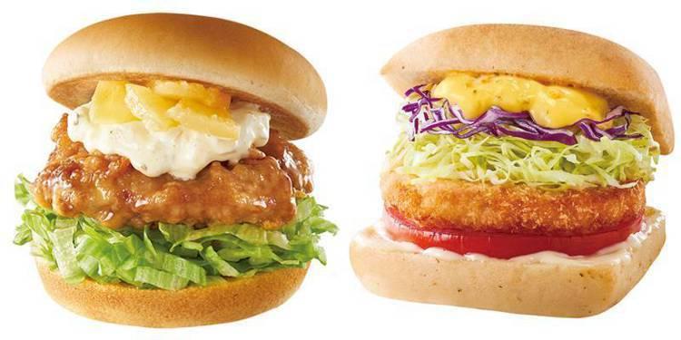 鳳梨塔塔雞腿堡(左)售價90;早餐時段「法式卡菲雞堡」(右)售價75元。圖/摩斯...