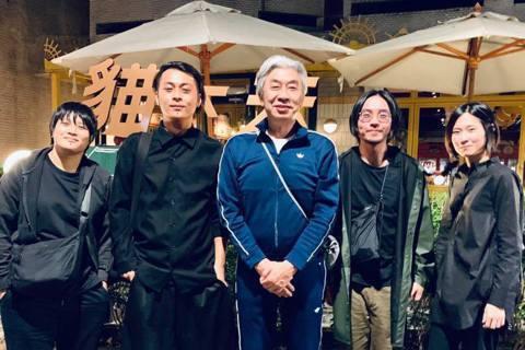 倪重華這名字你一定不陌生,他曾任台北市文化局長,更是90年代音樂的重要推手,他透露國小就讀光仁音樂班,受到音樂薰陶,讓他練就一個好「耳光」,在1987年成立滾石唱片子公司「真言社製作有限公司」,挖掘...