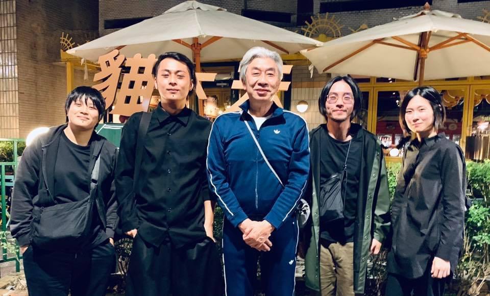 倪重華與草東沒有派對合影。圖/摘自臉書