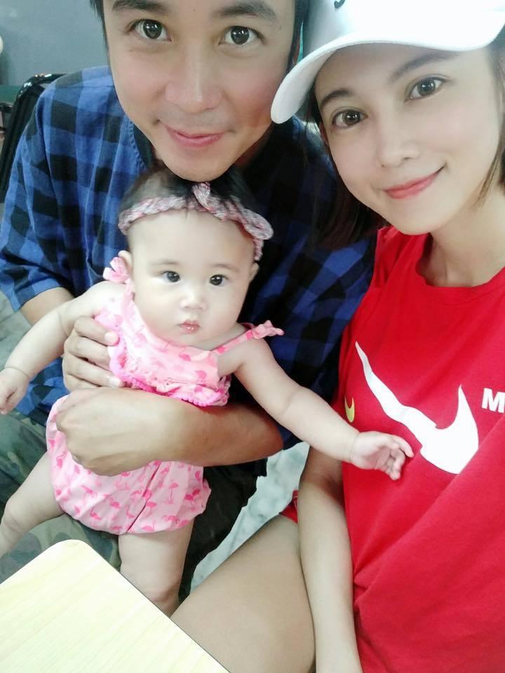 吳懷中和老婆小龜的女兒相當可愛。圖/摘自臉書