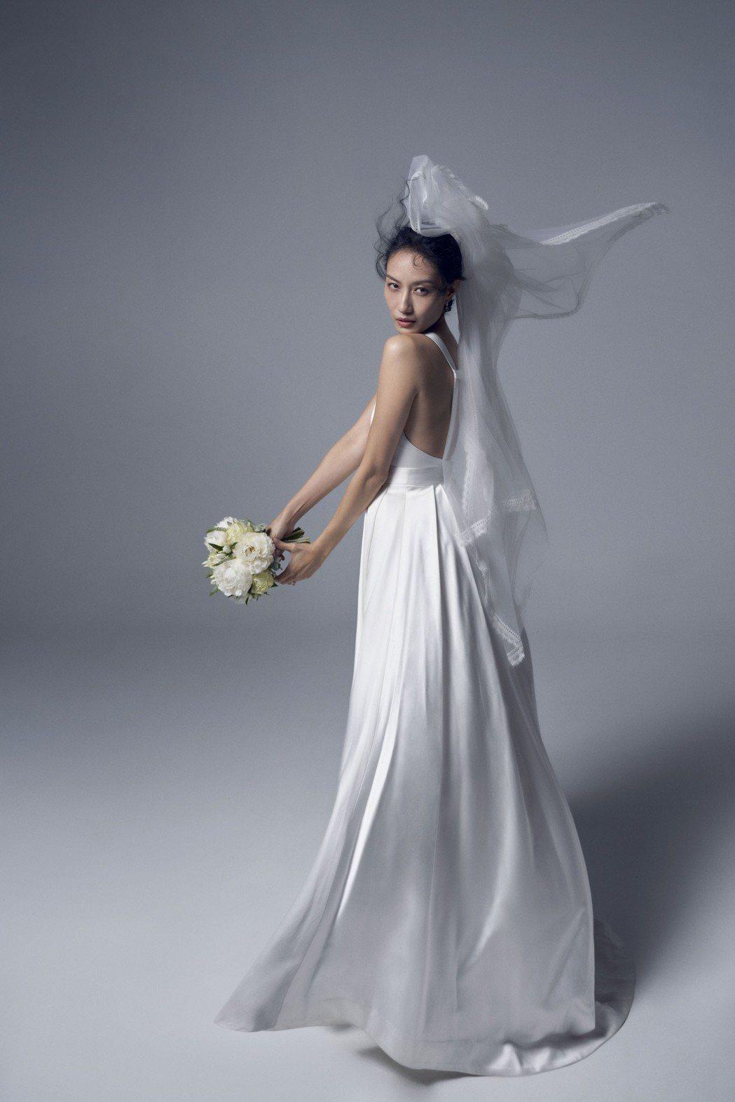 邱馨慧拍攝棚內婚紗照。圖/凱渥提供