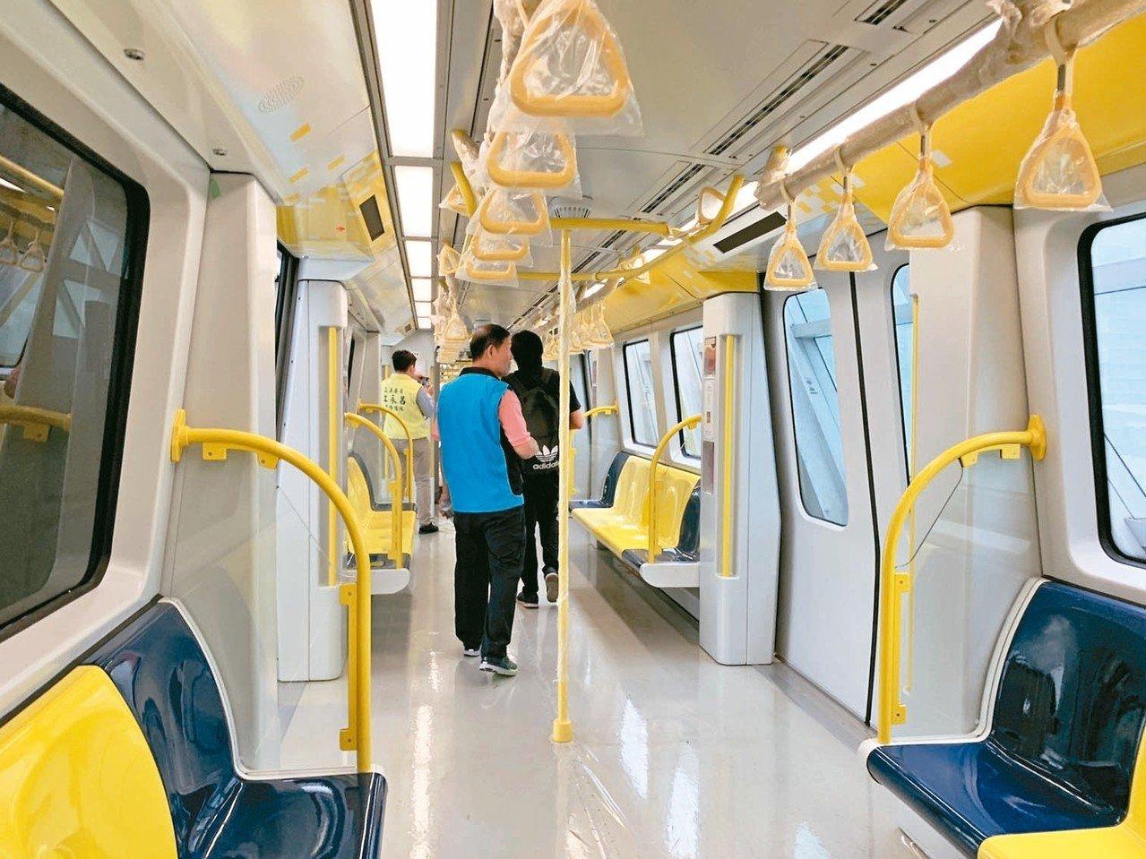捷運環狀線年底通車,正進行穩定性測試。 記者張曼蘋/攝影