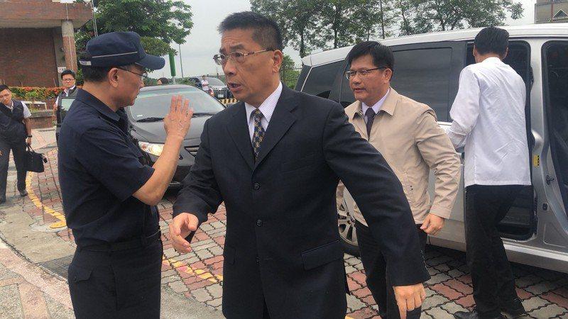 內政部長徐國勇今(4)日表示,他的友人、愛爾麗集團總裁常如山要以行動力挺警察,捐贈300萬元,購買約250支符合警政署規格的電擊槍。 記者李承穎/攝影