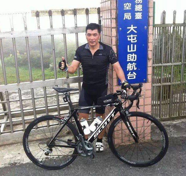 陸軍司令陳寶餘本身是馬拉松與鐵人三項好手。圖/取自陳寶餘臉書