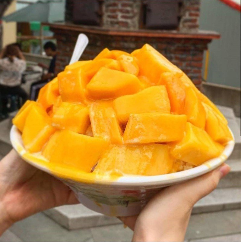 「冰鄉」芒果牛奶冰為台南最強排隊芒果冰。圖/IG @annluvfood 安食台南提供