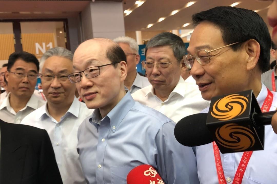 媒體詢問國台辦主任劉結一是否會與台北市長柯文哲會面,他回應「會會會,一切都會明瞭...