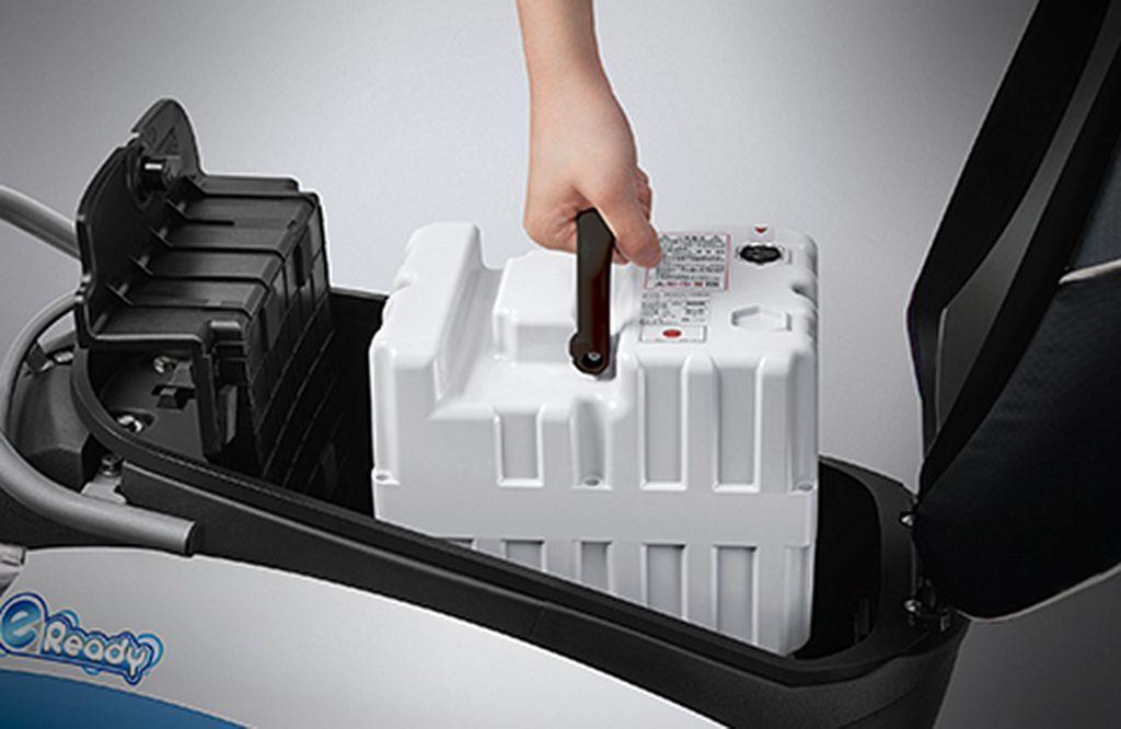 可攜式高效能鋰三元電池,具備20Ah安培大容量與高續航力,便利抽取安裝簡單又快速...