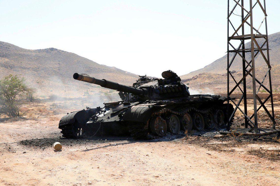 雖然2011年的內戰,最後以「格達費兵敗身死」為句點;但各路的政府軍殘兵、反抗軍...