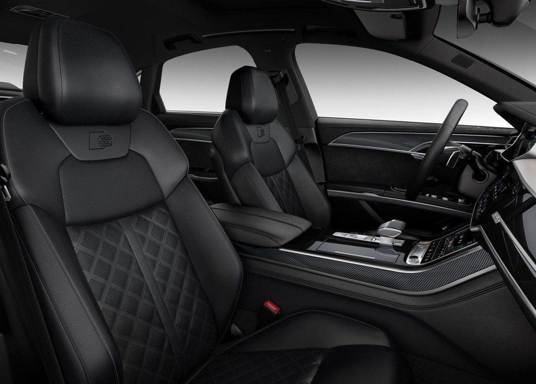 座椅也換上S版本的菱格紋跑車座椅。 摘自Audi