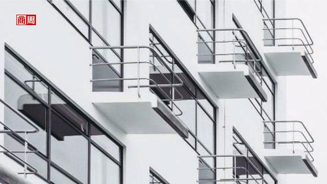 採線條設計的陽台是學生公寓獨有,學生能與隔壁鄰居交談。  Shutterstoc...