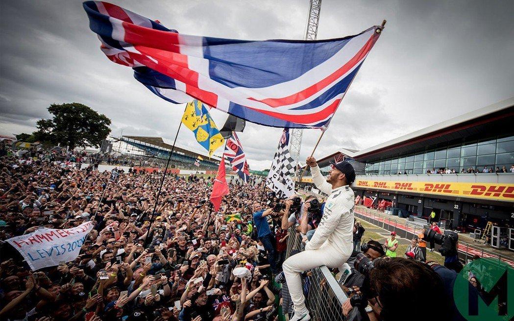 Lewis Hamilton對於在沒有觀眾的主場出賽感到失望。 摘自Motor ...