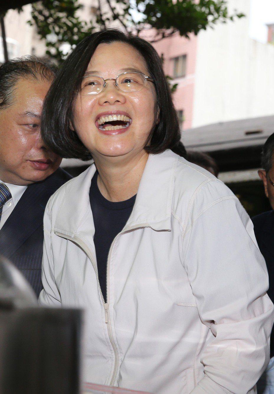 總統蔡英文下周出訪,前總統陳水扁呼籲,蔡總統成為台灣總統到訪華府的第一人。  本報系資料照片