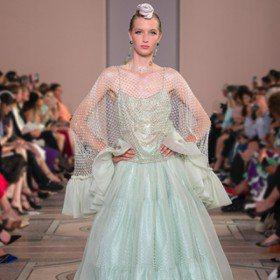 秋冬訂製服/Armani重新定義八〇年代風格 Valentino翻玩東方民俗色彩