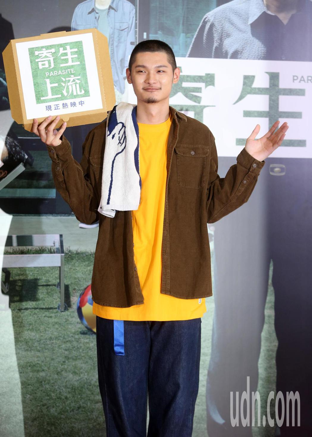 新科金曲歌王 LEO王出席韓國電影「寄生上流」記者會。記者曾吉松/攝影