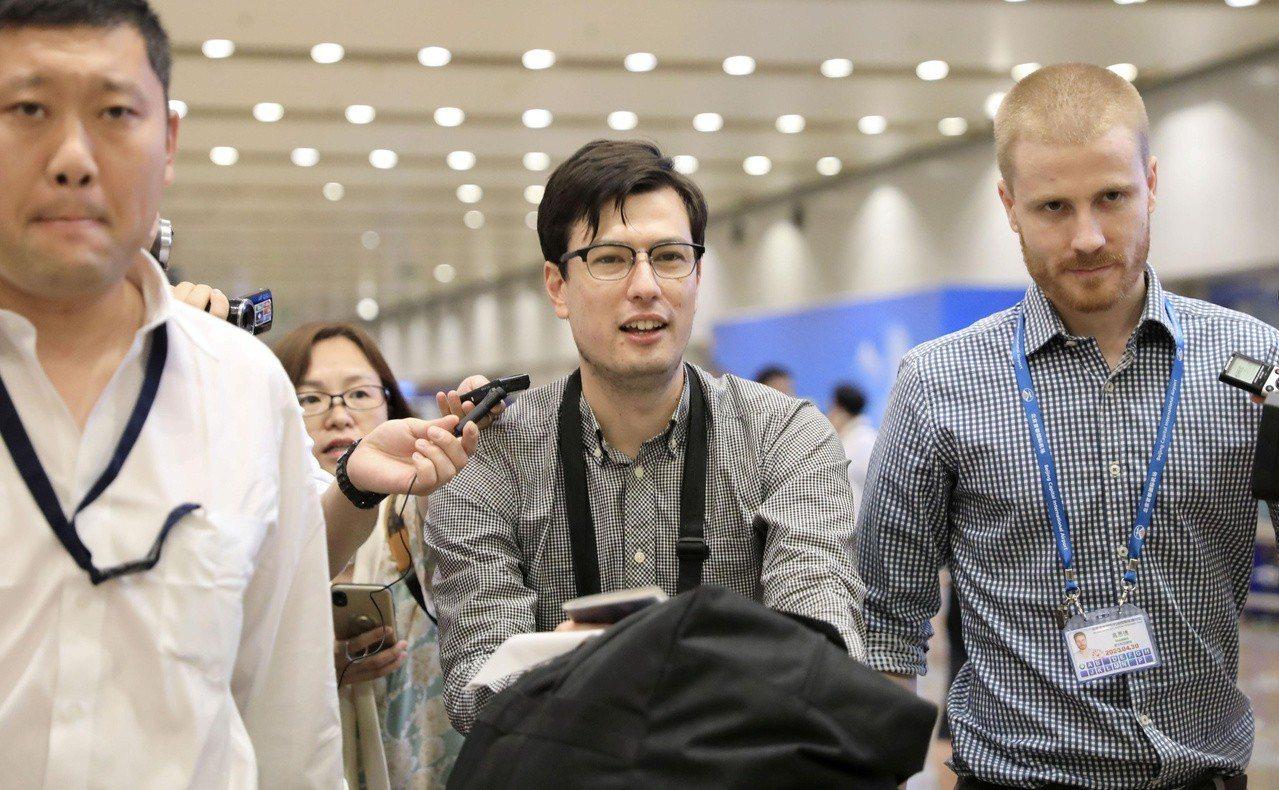 北韓澳洲留學生希格利(Alek Sigley)疑遭北韓當局拘押一周,4日安全獲釋...