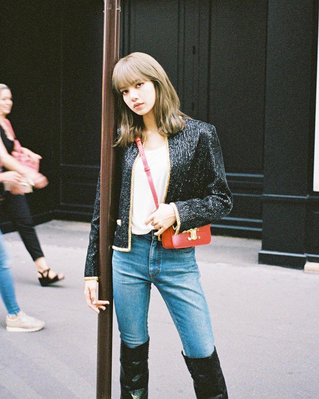 Lisa獲邀前往巴黎出席CELINE 2020春夏男裝秀。圖/取自IG