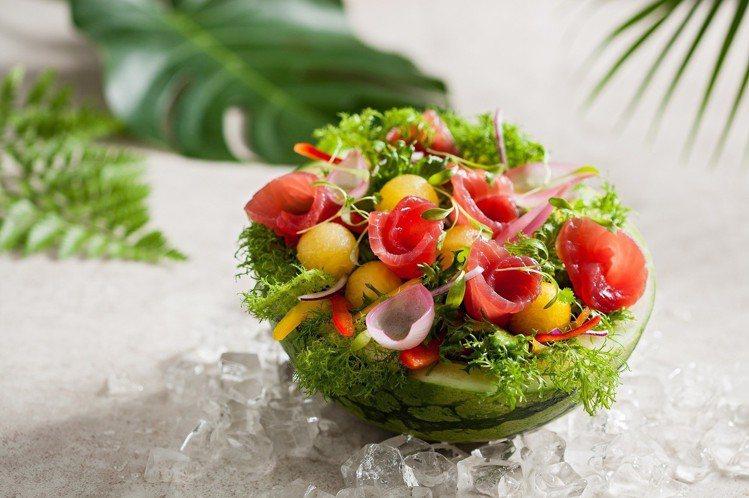 西瓜辣鮪魚。圖/Fresh&Aged美福乾式熟成牛排館提供