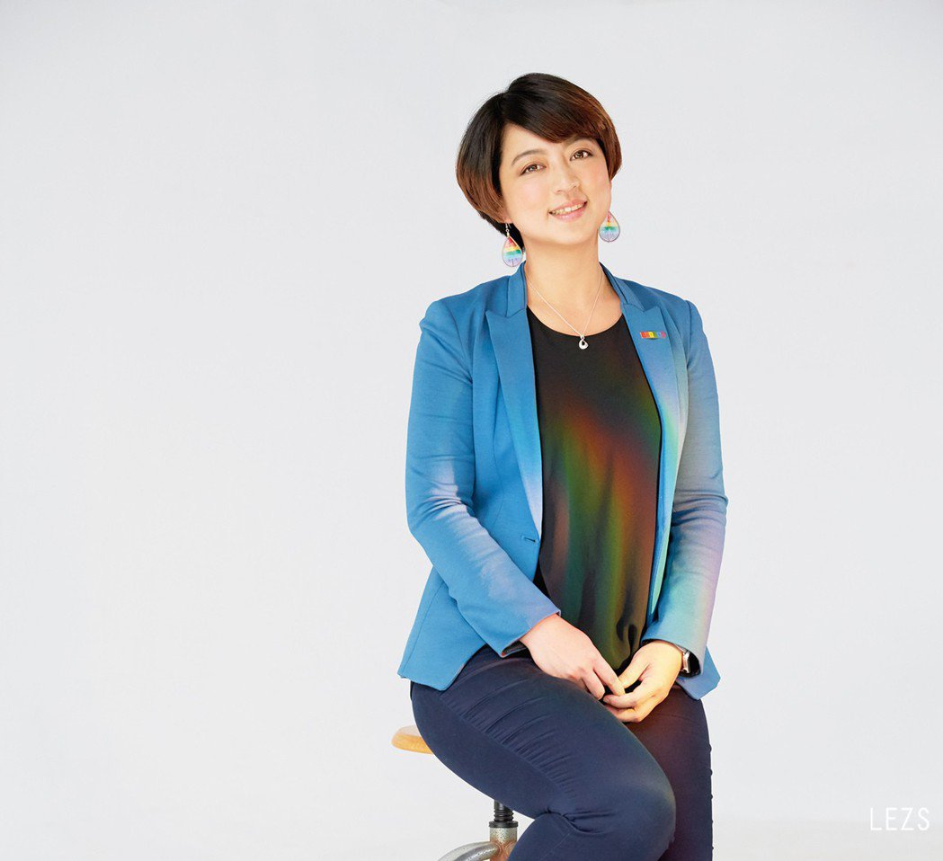 婚姻平權大平台總召呂欣潔提到,在推動婚姻平權的過程中,「找到台灣很重要的價值:就...