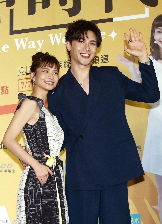 葉星辰(左)與謝佳見(右)出席「男神時代」首映。記者蘇健忠/攝影