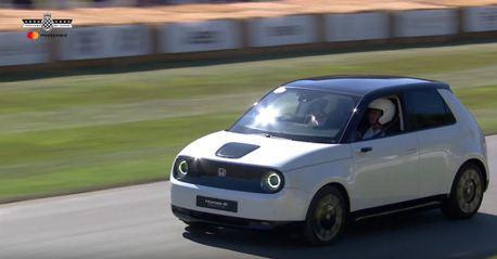 影/別小看Honda e迷你電動車!扭力比一代NSX還猛!