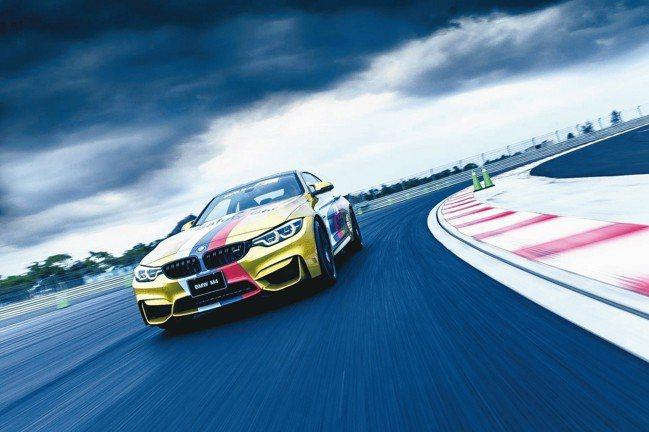 BMW M4 Competition搭載BMW TwinPower Turbo直...
