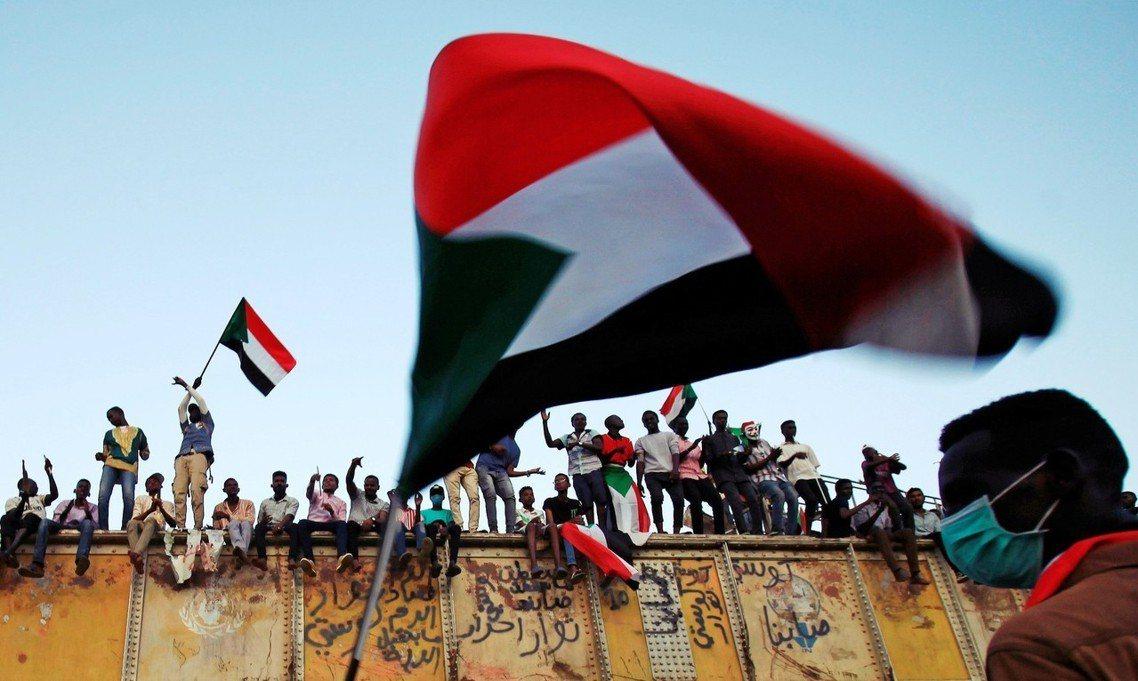 「當然這是重大進展,但仍只是蘇丹漫長苦路的第一步。」整起談判仍留下了許多令人擔心...