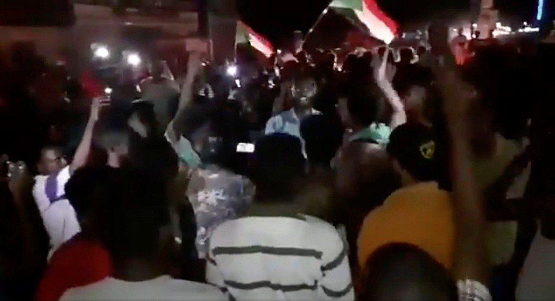 根據調停共識,未來3年蘇丹將由文職的技術官僚政府暫管,並受軍民共治組成的「執政委...