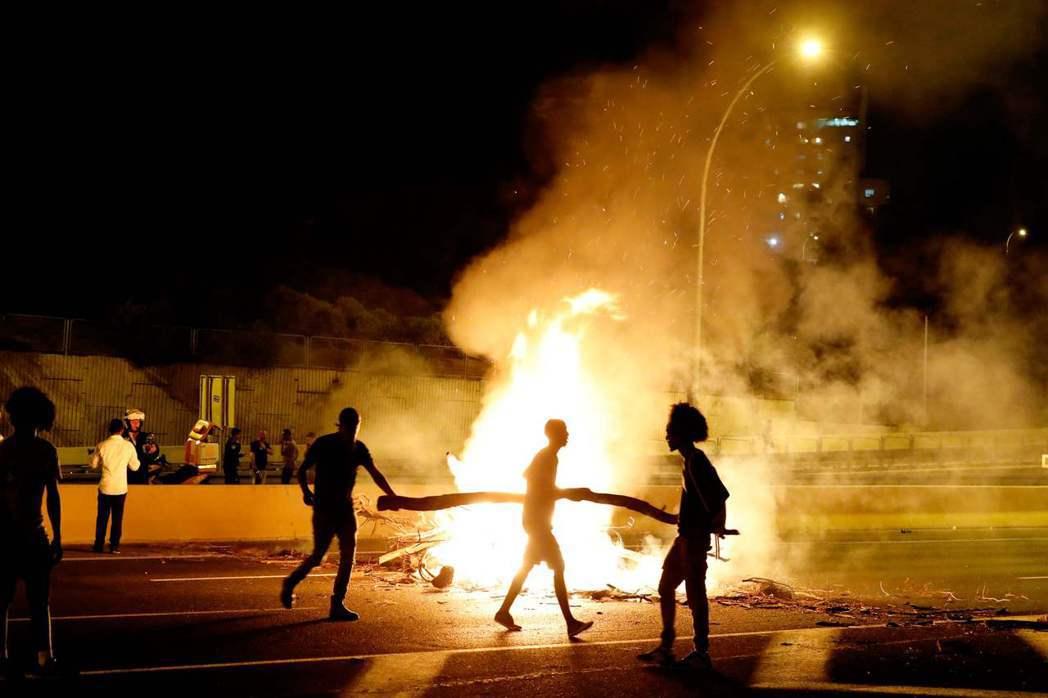 衣索匹亞裔猶太人發起的抗爭遊行引發暴力衝突,總共造成111人受傷、136多人被捕...