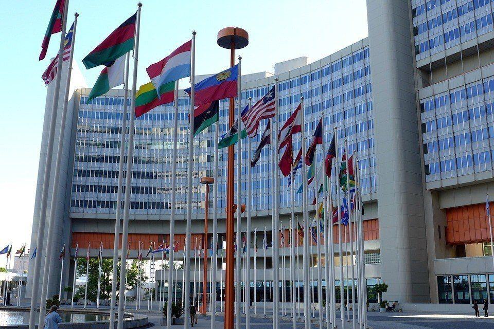 外交不只是政府的事,只要想,就能多做點事情。 圖/Pixabay