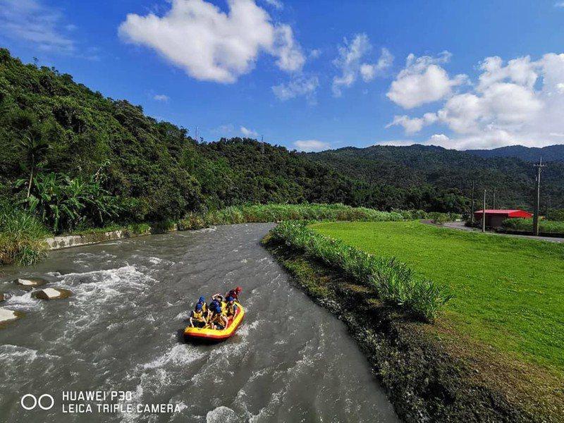 圖/宜蘭泛舟景點安農溪,現在正是旺季!網友鄭凱瑞授權