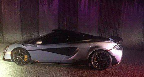 McLaren 600LT 才交車10分鐘就被警方查扣?