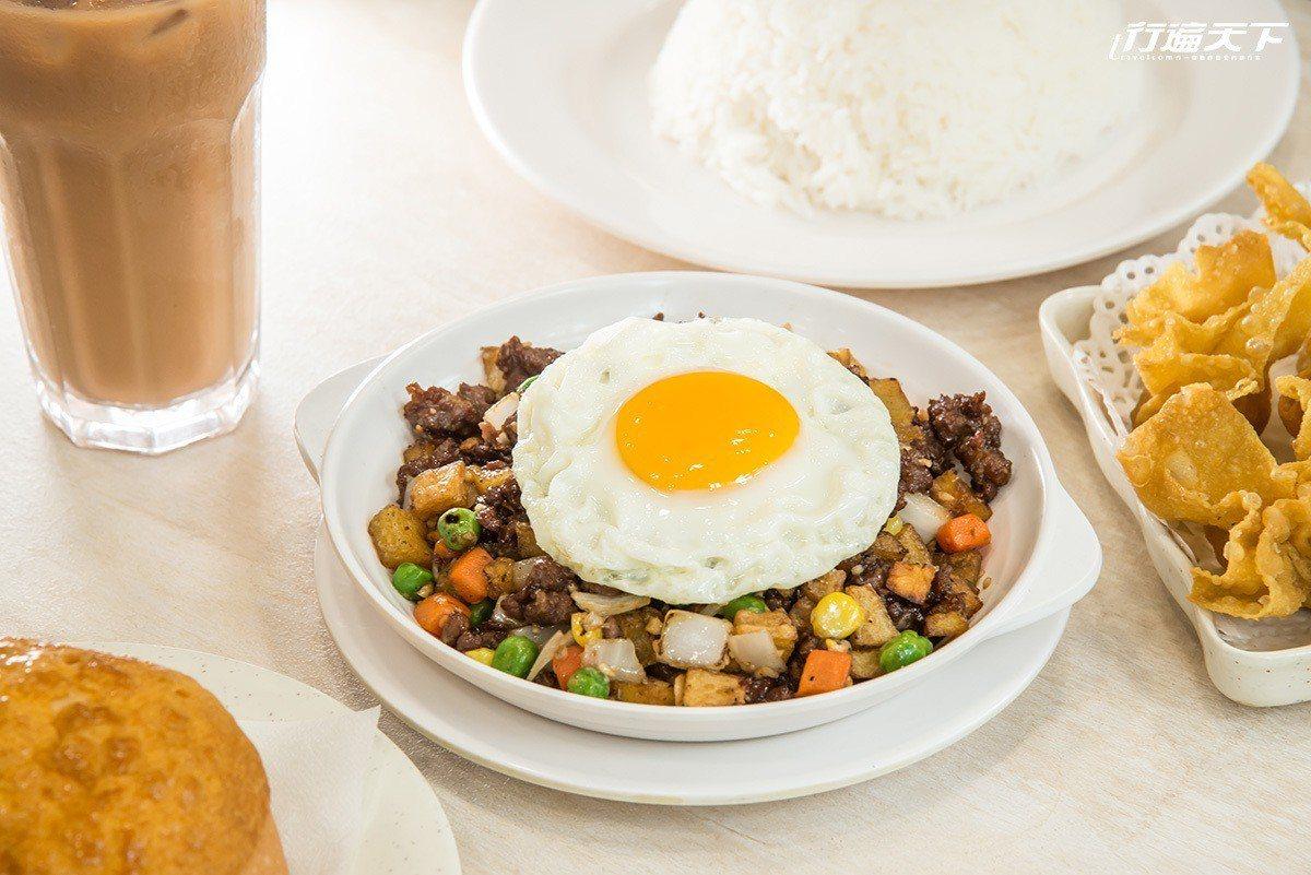喜蓮咖啡的干免治牛肉飯,吃得到葡國餐飲的粵式街坊風味。