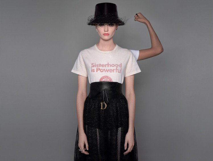 Sisterhood is Powerful等標語是取自美國女權主義作家羅賓摩根...