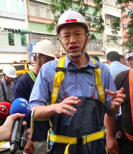 高雄市長韓國瑜表示,市府努力進行雨水下水道清淤,近期數波強降雨高雄都未淹水,排水...