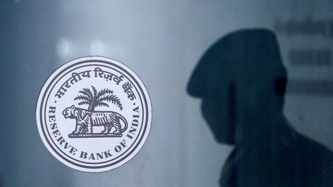 印度新年度預算案要兼顧財政紀律、以及刺激成長,於是加重了央行擴大寬鬆以刺激經濟的...