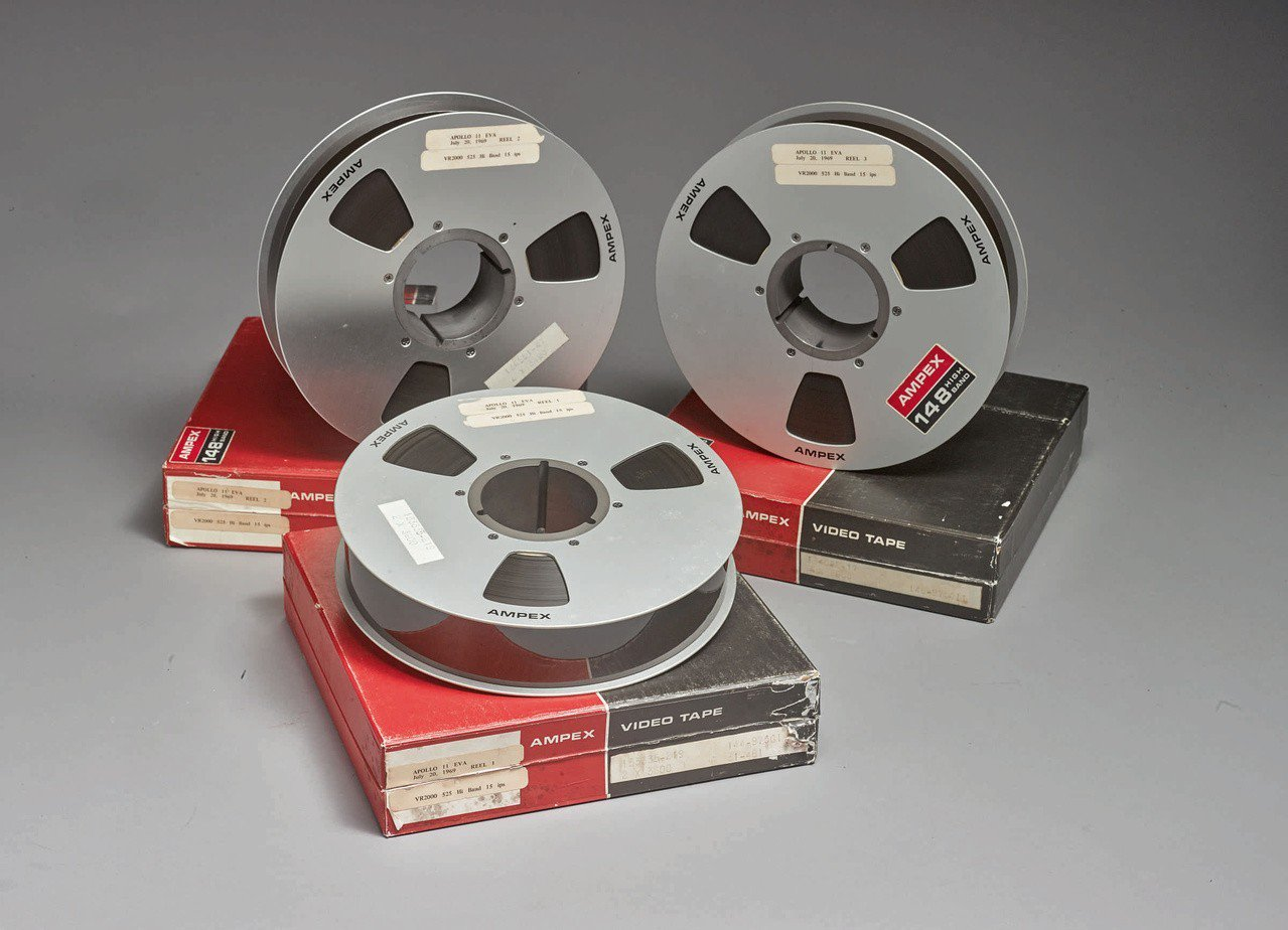 43年前他以217元買下NASA登月錄影帶,如今拍賣價碼上看200萬。 路透社