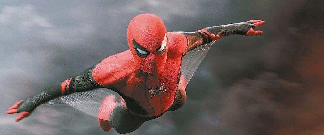 「蜘蛛人:離家日」劇情格局更大,比上集更具娛樂噱頭。 圖/摘自imdb