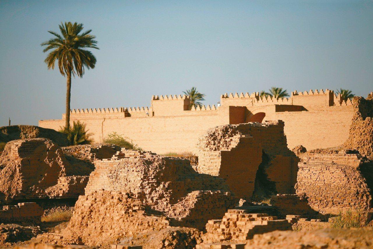 聯合國教科文組織5日宣布,將位在伊拉克中部希拉省(Hilla)的巴比倫古城列入世...