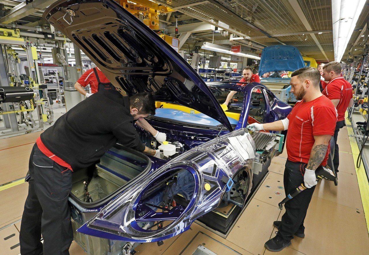 德國愈來愈多製造業者仰賴或至少計畫採用短工時勞工。歐新社