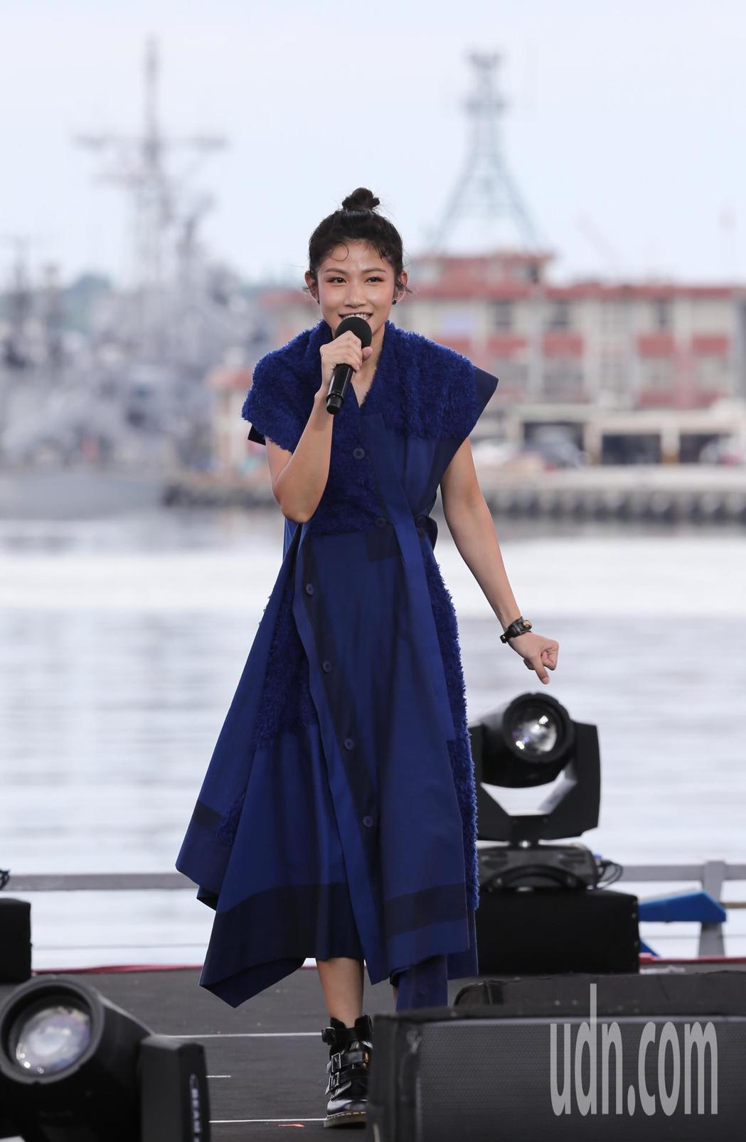 公視台語頻道在基隆舉辦「開港做陣出帆」開台典禮,並在海洋廣場搭建舞台,讓李千那(...