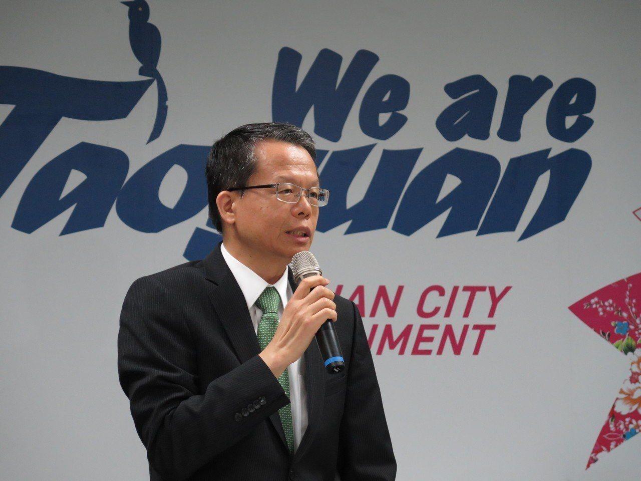 長榮航空總經理孫嘉明在記者會上表示,很開心團體協約今天終於能夠簽訂,期盼工會能提...