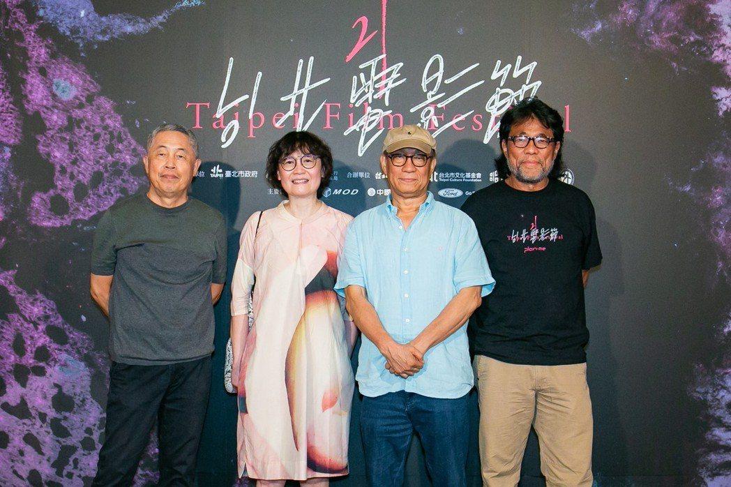 「海上花」劇組杜篤之(左起)、黃文英、廖慶松及李屏賓出席台北電影節數位修復版首映